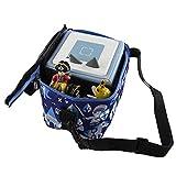 caseroxx Transporttasche für Tonie- und Tigerbox zum Umhängen transportieren mit einzigartigem Blau-Rittermuster Design, kindgerecht und hochwertig