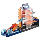 Hot Wheels GBF95 - City Super Spin Parkhaus, Spielzeug ab 4 Jahren