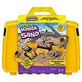Kinetic Sand 6059398 Baustellen Koffer mit 907 g Kinetic Sand