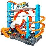 Hot Wheels FTB69 - City Ultimate Parkgarage und Parkhaus für Kinder, Garage mit Hai für +90 Autos, mit Looping Tracks inkl. 2 Spielzeugautos, ca. 63 cm hoch, ab 5 Jahren