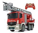 JAMARA 404960 - Feuerwehr Drehleiter 1:20 Mercedes Antos 2,4G – deutsche Sirene mit blauen LED Signallichtern, 420 ml Wasserbehälter, reale Spritzfunktion, programmierbare Funktionen, 4 Radantrieb