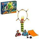 LEGO 60299 City Stuntz Stunt-Wettbewerb, Set mit 2 schwungradbetriebenen Spielzeug-Motorrädern und Duke-DeTain-Minifigur, für Kinder ab 5 Jahren