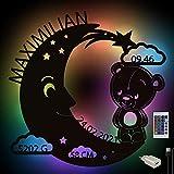 Baby-Geschenke Mond-Teddy Farbwechsel Wand-Lampe Nachtlicht mit Namen Schlummerlicht Holz Deko für Kinder-Zimmer I USB + Fernbedienung